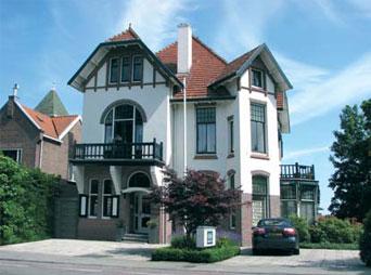 Villa in 1903 ontworpen door J. van den Ban