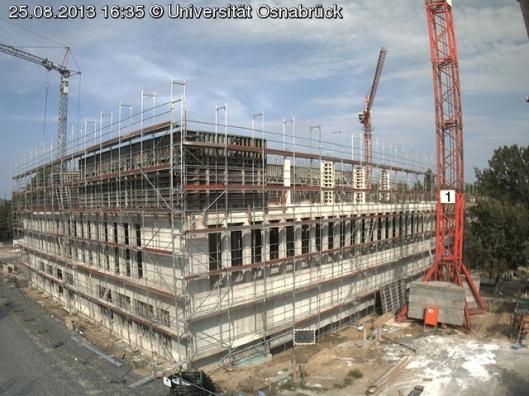 De bouw van een nieuwe ub in Osnabrück. Deze zal bestaan uit 4 verdiepingen en 750 studieplekken bevatten.