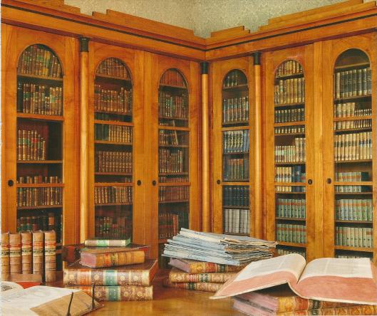 Interieur van de Theologische faculteitsbibliotheek in Paderborn