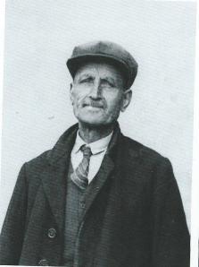 T.Liefhebber, geboren in Heemstede in 1879 werkte van 1901 tot 1950 bij de bloembollenfirma Van Tubergen.