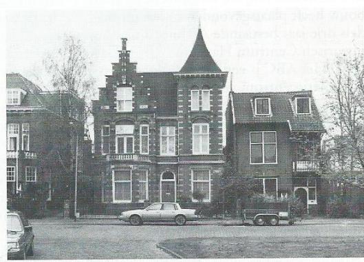 Spruitenbosstraat 19 en 21. Architecten: J.van den Ban (links nummer 19) en J.A.G.van der Steur (rechts nummer 21).