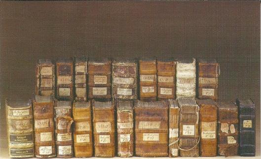 Bibliothek des Michaeliskovents (Auswahl in Bibliothek der Hansestadt Lübeck. Der Übergabe der Buchbestände des 1451 gegründeten Lübecker Michaeliskonvents der Schestern vom gemeinsamen Leben durch das Waisenhaus an die Stadtbibliothek liess dort 1806 die grösste Sammlung niederdeutscher Handschriften einer einzelnen Bibliothek entstehen. Inzwischen sind etwa vuer Fünftel davon aus kriegsbedingter Auslagerung zurückgekehrt