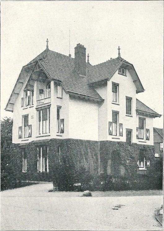 Villa 'Aerdenburg', Kweekduin, Overveen (J.van den Ban)