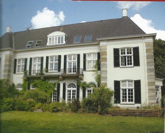 Vooraanzicht van villa Belvedère te Overveen, in 1928 gebouwd onder architectuur van architect A.A.de Maaker