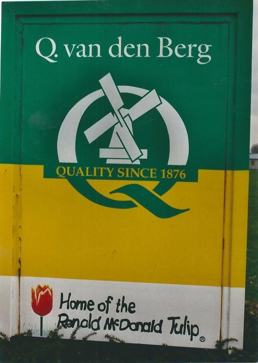 Reclame voor dee Ronald McDonald tup van Q. van den Berg, opgericht in 1876 en tegenwoordig gevestigd in Zwaanshoek