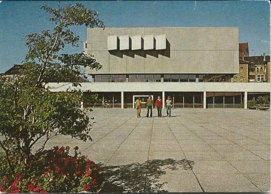 Vooraanzicht van de universiteitsbibliotheek der Technische Universiteit in Braunschweig
