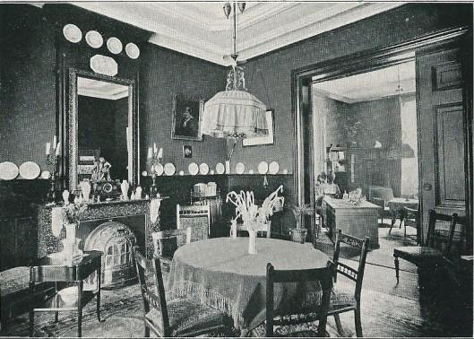 Interieur 'de Enk' in Lochem, ontworpen door J.van den Ban en door hem als zomerverblijf aangewend.