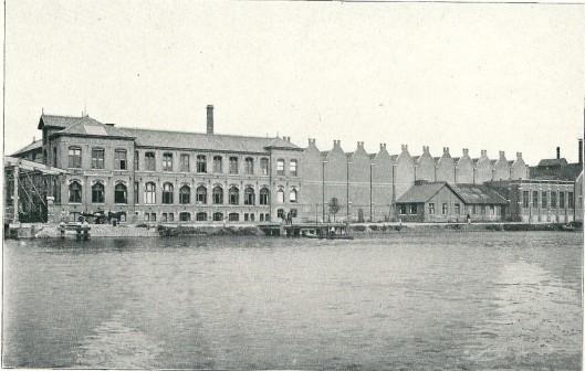 Vroegere fabrieksgebouwen van de werf 'Conrad'aan de Spaarndammerweg te Haarlem, ontworpen door Jacob van den Ban.