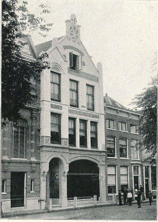 Kantoorgebouw van de Algemeene Noord-Hollandsche Maatschappij van Leversverzekering te Haarlem, Spaarne 48, in 1900 ontworpen door Jacob van den Ban