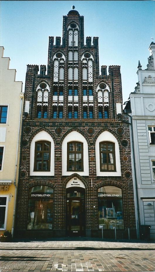 Stadsbibliotheek Rostock (foto Sjoerd Koopman, augustus 2003)