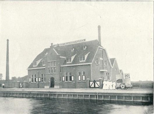 Vm. beschuitfabriek aan de Paul Krugerkade te Schoten (J. van den Ban)