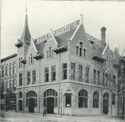 Gebouw der Melkinrichting 'Hartenlust, Kruisweg hoek Parklaan Haarlem J. van den Ban. Sedert verbouwd