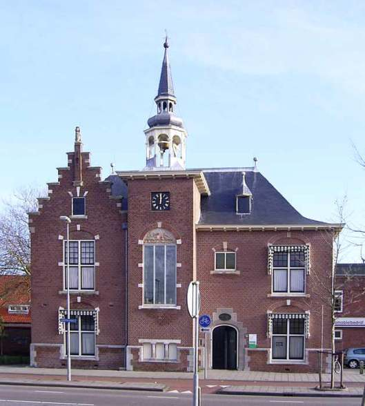 Voormalig raadhuis van Schoten (Haarlem), in 1907 ontworpen door Jacob van den Ban