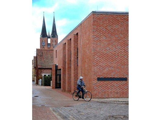 Nieuwe aanbouw stadsbibliotheek Stendal