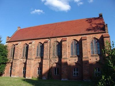 Stadsbibliotheek Stendal sinds 1935 in voormalig Franciscanerklooster in Hoogduitse baksteenarchitectuur
