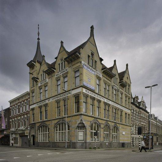 Kantoorgebouw van vm. Tweede Hollandsche Maatschappij van Levensverzekering, Kruisweg hoek Parklaan. Thans rijksmonument