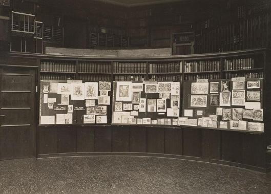 Warburg-bibliotheek te Hamburg tijdens een expositie in 1927