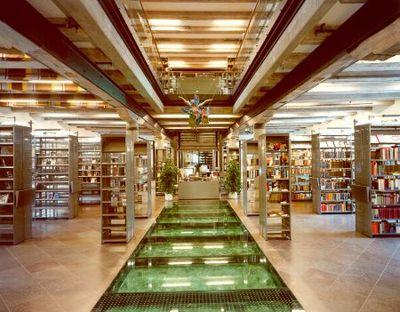 Interieur van stadsbibliotheek Wismar