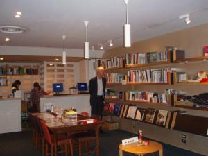 In een bibliotheek voor Engelstalige toeristen