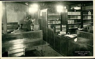 Bibliotheek van het Gouden Kasteel College in Nagoya, Japan, opgericht in 1889