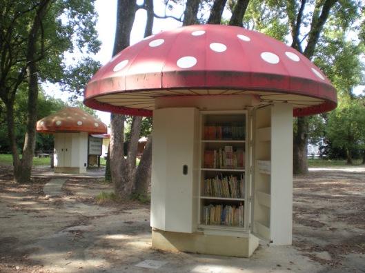 Parkbibliotheekjes in Kyoto