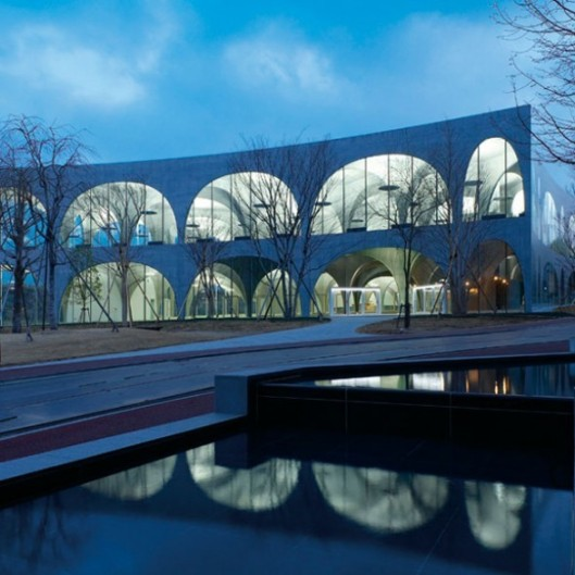 Tamar Art Library, Universiteit Tokio, gebouwd in 2007 (foto Jos Quaedvlieg)