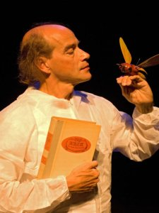 Erik of het klein insectenboek als vertelling door Eric Borrias in het Munttheater van Weert in samenwerking met Bibliocenter