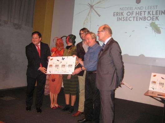 Bij de presentatie van de 59ste druk van 'Erik of het klein insectenboek' in Museum Naturalis te Leiden (foto Frank van der Voordt)