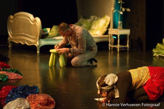 Voorstelling van een theatrale reis door de wereld der insecten, gebaseerd op en geïnsoireerd door het verhaal Erik van Godfried Bomans. Door theatergezelschap Mar&Co in Vlaanderen (foto Hannie Verhoeven)