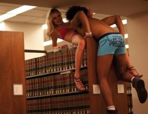 Deze en andere reclamefoto's voor de gids herfst/winter voor ondergoed van de firma Diesel genomen in de Brooklyn Law University leidde tot de nodige opschudding. Sindsdien geldt de Brooklyn Law School in New York als de sexiest bibliotheek in de Verenigde Staten.