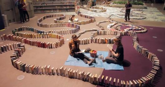 Opzet van de boeken-domino in Seattle