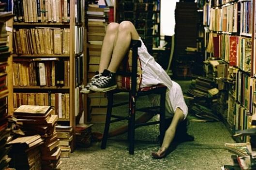 Op zoek naar die ene titel in een Franse stadsbibliotheek (Marc Lafanton)