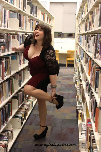 Kiyonna in de Paul University Library, Lincoln Park Campus