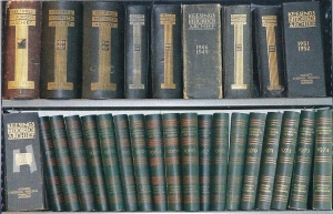 De banden van Keesings Historisch Archief van 1932 tot 1974 (foto Elsevier)