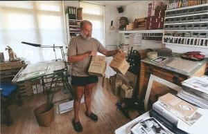 'Literaire loodgieter' Pierre Roth in zijn atelier (Catawiki)