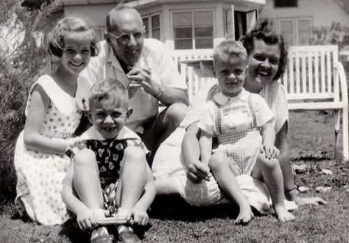 De gelukkige vooroorlogse tijd van een familie in Brastagi
