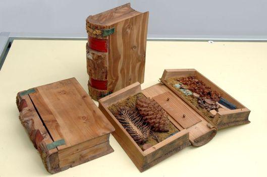 3 van de 17 houten banden in het museum van Gulochów, toegeschreven aan Von Hinterlang
