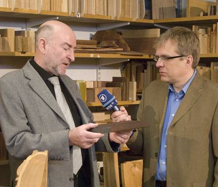 Belangstelling van ARD-televisie voor de moderne houtbibliotheek in het Thünen Instituut voor houtonderzoek te Hamburg