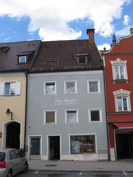 Het geboortehuis van houtbioloog pater Candid Huber in Ebersberg, Oberbayern. Ban Huber zijn meer dan 1.000 'Holzbücher' bewaard gebleven.
