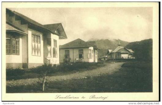 'Hollandse' laandhuizen in Brastagi, waaronder rechts huize 'Senembah'(1923)