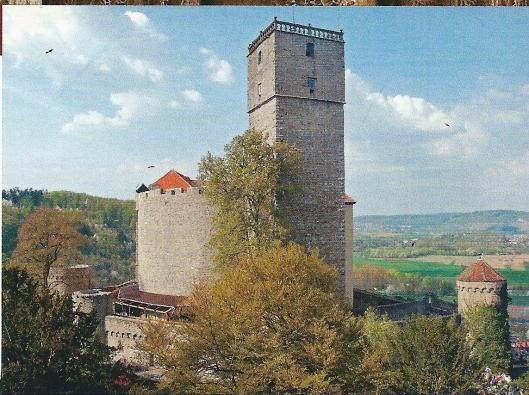 In de 13e eeuw is begonnen met de burcht Guttenberg, gelegen aan de Neckar