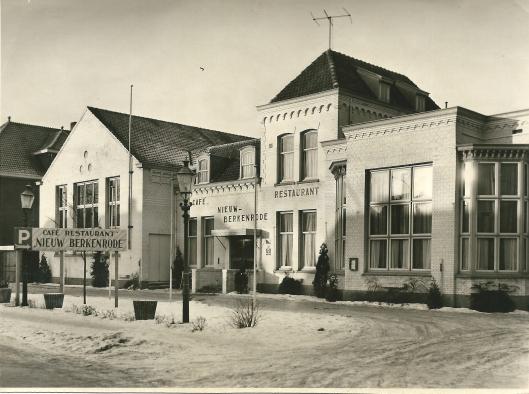 Na sluiting van het Vereenigingsgebouw sociaal-cultureel centrum is het gebouw in de jaren 50 van de vorige eeuw enige tijd in gebruik geweest als café-restaurant onder de naam 'Nieuw Berkenrode'.
