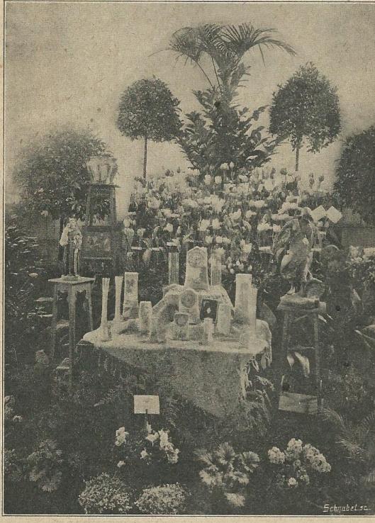 In 1911 is een groots opgezette bloemententoonstelling georganiseerd door de lokale bloemistenlieden in de grote zaal van het parochiehuis (Zondagsblad, 12 maart 1911)
