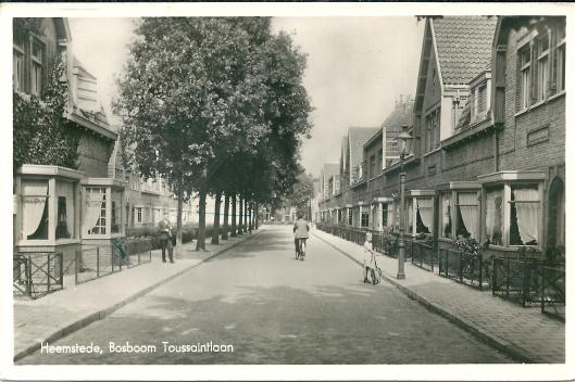 Ansichtkaart van Bosboom Toussaintlaan uit 1938 nu met erkers