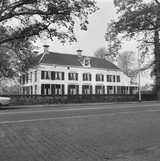 De villa Berkenrode aan de Herenweg in Heemstede die Bomans huurde van de familie Van Wickevoort Crommelin