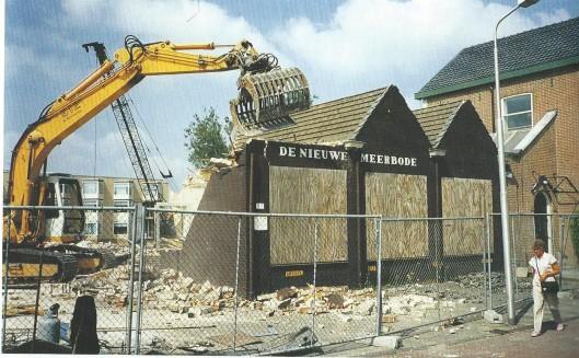 Het kantoor van De Nieuwe Bode in de Kanaalstraat, Aalsmeer, maakte plaats voor aanleunwoningen