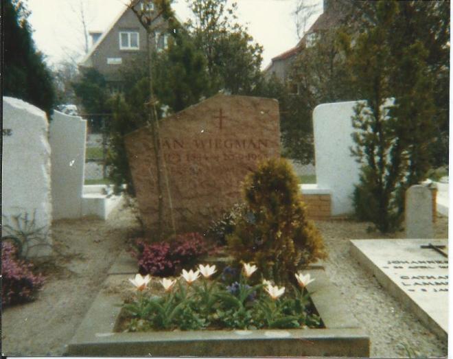 Voormalig graf Johan Wiegman op r.k. begraafplaats Herfstlaan Heemstede (intussen geruimd)