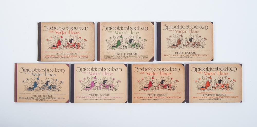 Zeven sprookjesboeken van Vader Haas door E.Deopheide (Tante Lize) en geïllustreerd door Jan Wiegman, uitgaven van Haas Azijnfabriek Haarlem)