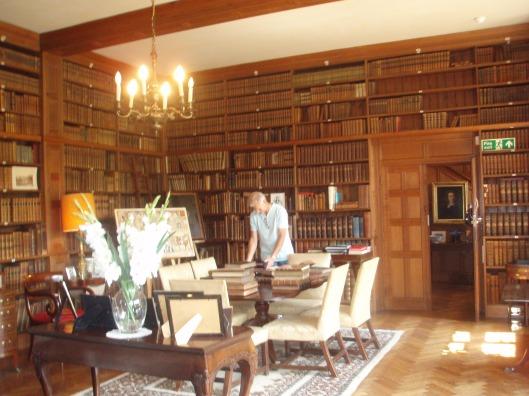 Kijkje in de bibliotheekzaal