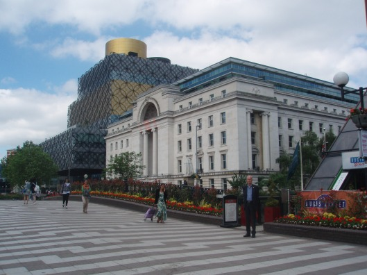 Op weg naar de indrukwekkende nieuwbouw van de Birmingham bibliotheek